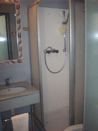 Hotel plaisance: bathroom