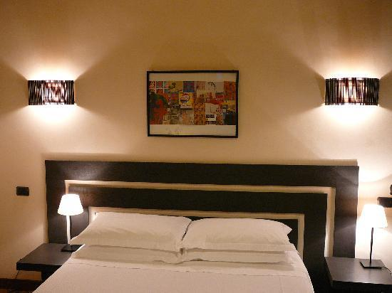 Palm Gallery Hotel: Room S 4