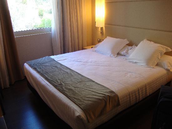 Mola Park Atiram Hotel: cama