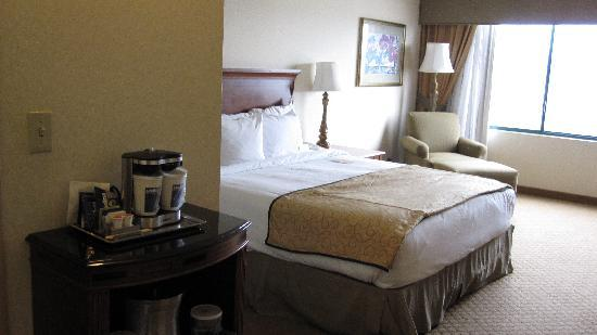 Hilton Woodland Hills/Los Angeles: Room 835
