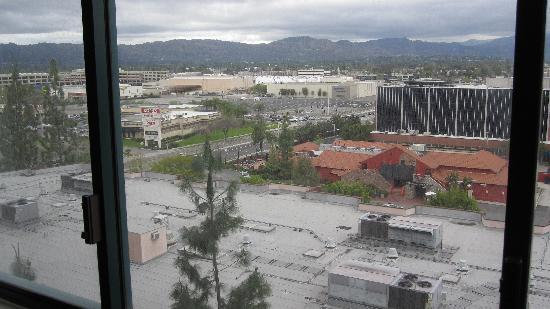 Hilton Woodland Hills/Los Angeles: View From Room 835