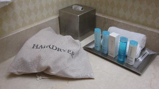 Hilton Woodland Hills/Los Angeles: Bath Amenities