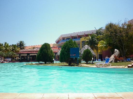 Brisas del Caribe Hotel: Piscine