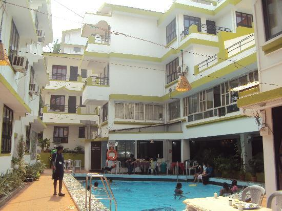 Alor Holiday Resort : Swimming Pool at Alor