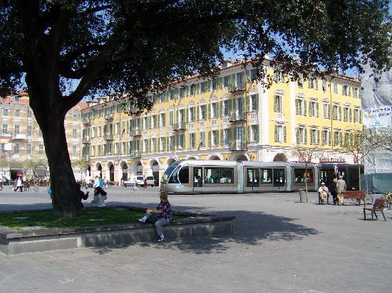 Niza, Francia: Historie und Moderne gleichermaßen