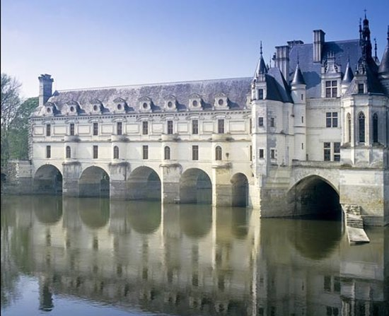 Loire Valley Time Travel Day Tours : Spectacular Chenonceau.
