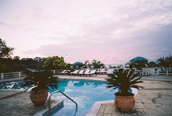 Turquoise Bay Dive & Beach Resort: Turquoise pool