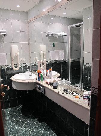 Best Western Hotel Turist: Bathroom
