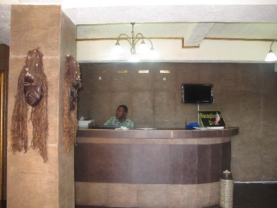 Bella Casa Hotel & Suites : Hotel Lobby