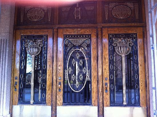 Beautiful Art Deco doors of hotel Clarendon & Beautiful Art Deco doors of hotel Clarendon - Picture of Hotel ...
