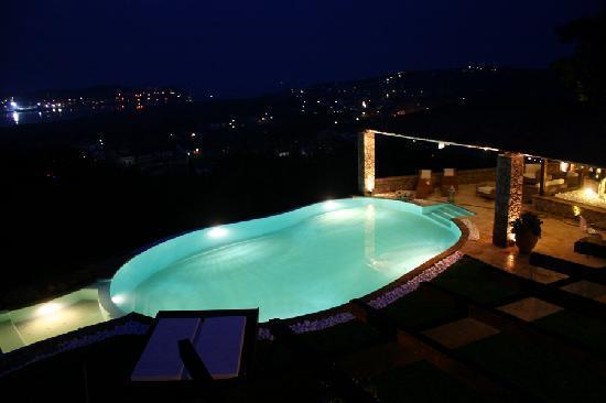 Luxury Villa Piedra Corfu: Pool