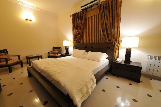 Royal Manor: Executive Room