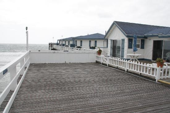 Crystal Pier Hotel & Cottages: back of room