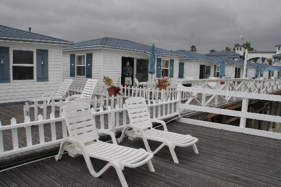 Crystal Pier Hotel & Cottages: front of room over ocean