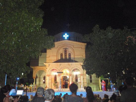 Loutraki, Hellas: concert at the church panagia giatrissa