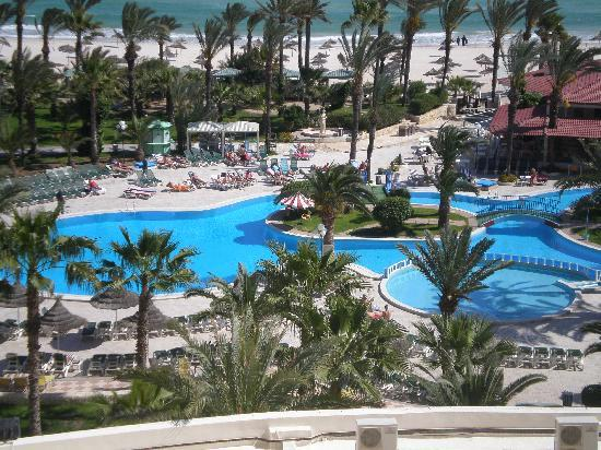 Riadh Palms Hotel: pool and view