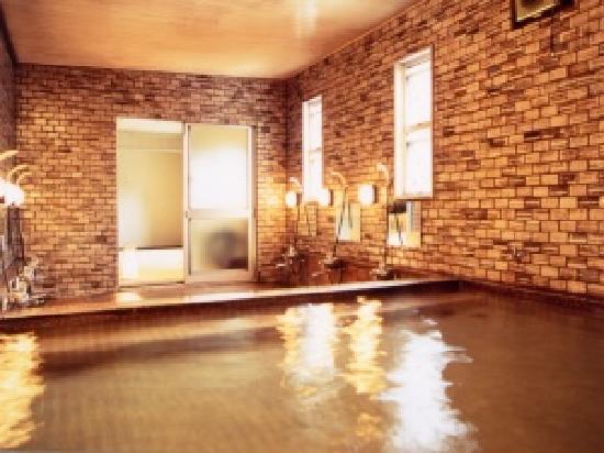 Wakamatsu Honten: 24時間入浴できる大浴場