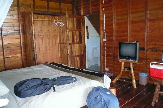 Esmeralda View Resort: Room with air-con