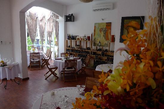 Trois Gourmands: restaurant view