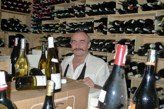 Trois Gourmands : Gils in his wine cellar
