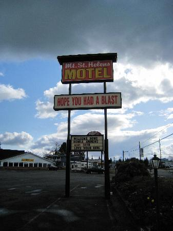 Mt. St. Helens Motel: Sign