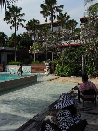 Haven Resort : enjoying with my niece and nephew near the pools.
