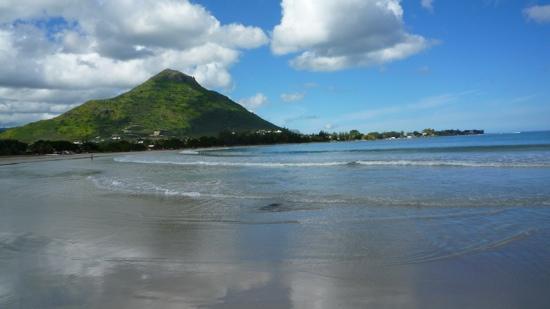 la plage devant l hotel tamarin