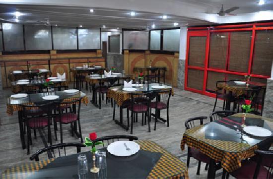 Hotel Gyan Ganga Heritage : Restaurant