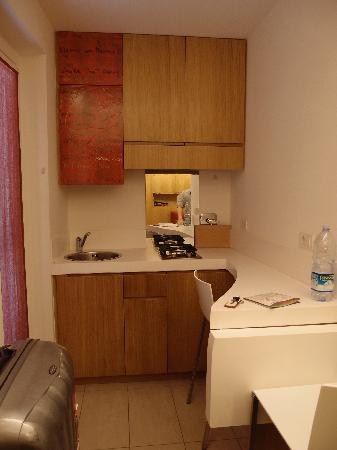 The Telegraph Suites : Nice little kitchenette