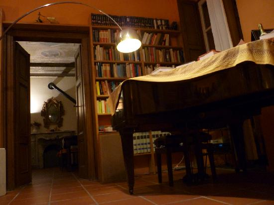 Казальцигно, Италия: scorcio delle 2 sale