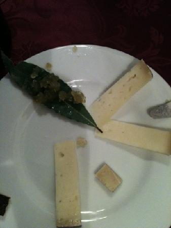 Ristorante La Briciola: assaggi di pecorino con composta di anice e sedano