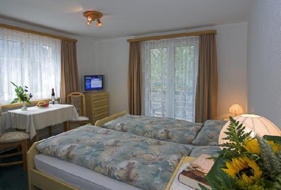 Doppelzimmer im Hotel Walliserhof Leukerbad