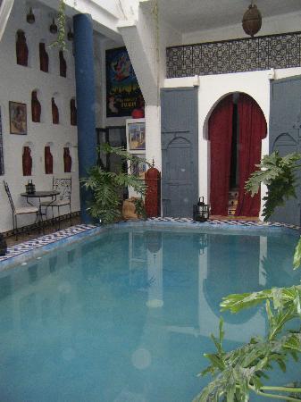Riad Chouia Chouia: Le patio