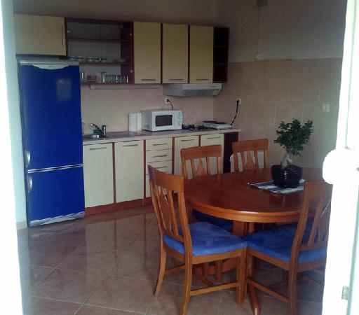 Apartments Villa Galija: Kitchen and dining room
