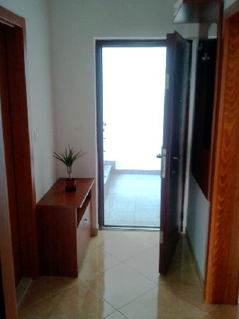 Apartments Villa Galija: Enterance into the apartment 2