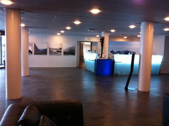Quality Hotel Sogndal: recepcion hotel quality sogndal