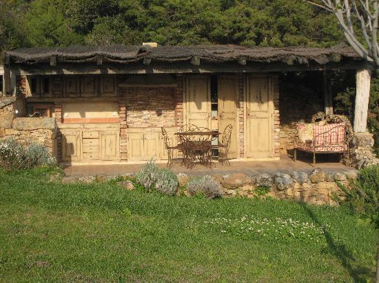 Domaine de Murtoli: villa A PERSIA  CUISINE D'ETE