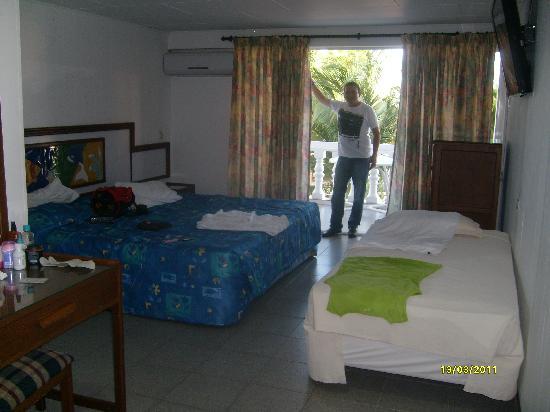 Hotel Eldorado: habitacion del hotel