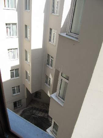 Grand Hotel Halic: View from window! CONCRETE WALL!