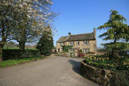 Church Gate Farm: The house at the end of the drive