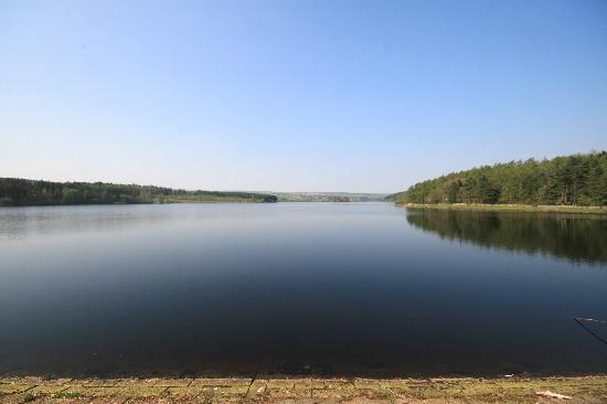 Church Gate Farm: Nearby Fewson reservoir