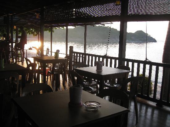 Redang Kalong Resort: Restaurant at sunrise