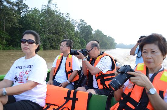 Barefoot Sukau Lodge: river cruise