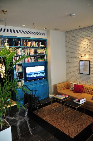 Center Chic Hotel Tel Aviv - an Atlas Boutique Hotel: the cozy loby