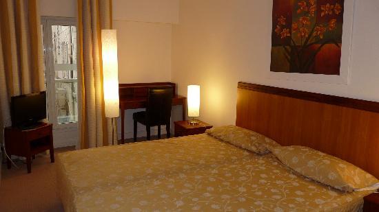 Cannes Croisette Prestige Apparthotel: chambre1