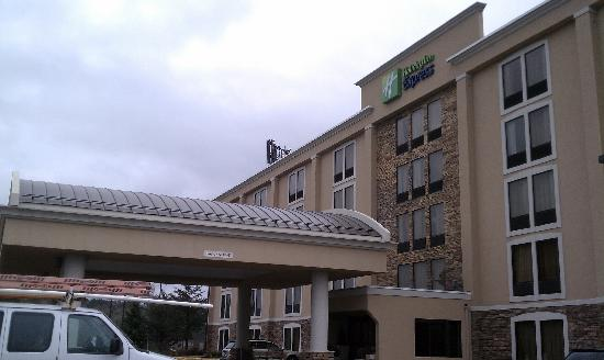 Holiday Inn Express Wilkes Barre East: Outside