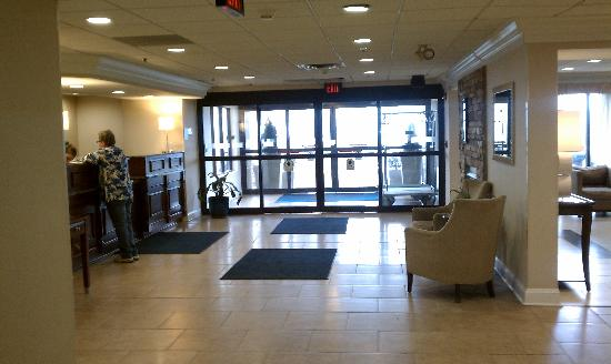 Holiday Inn Express Wilkes Barre East: Lobby