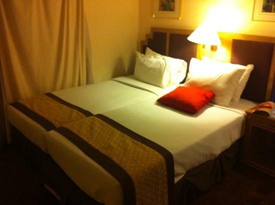 Everly Resort: 2 bedroom suite (Master bedroom)