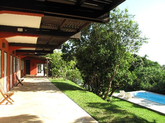 Pousada Vila Pitanga: Hacia el lobby y comedor