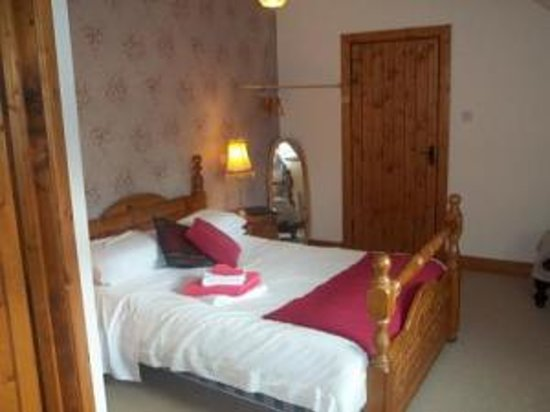 Woodbrook B&B: One of the 4 Bedrooms